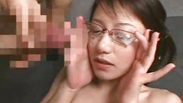 مادر آلمانی کانال تلگرام فیلم سوپر سکسی به دخترک یاد می دهد فاک کند و وارد 3 شود