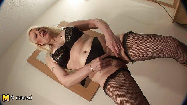 لزبین لینک کانال تلگرامی فیلم سکسی های سکسی فاکس شب را سپری می کنند