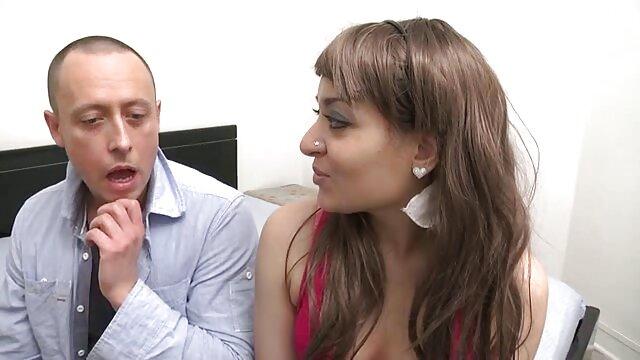 تیم فیلم سوپرسکسی درتلگرام دو نفره بلوند فرانسوی در جوراب ساق بلند